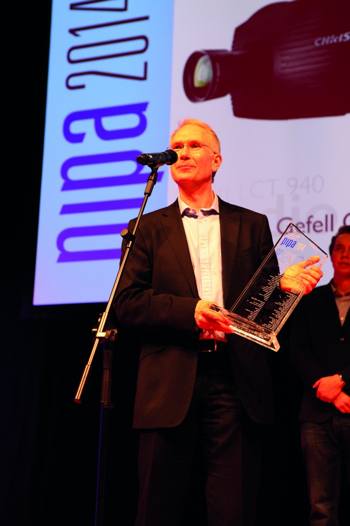 Klaus Hilles from Christie receiving PIPA Award_CMYK